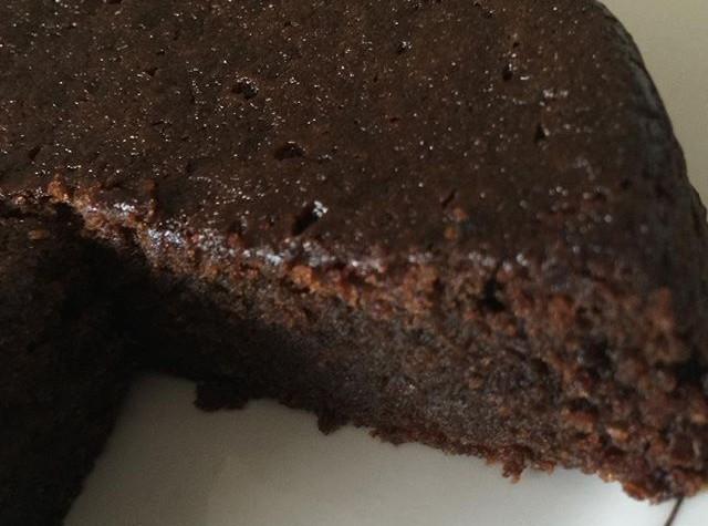 aunt_winnies-Jamaican-rum-cake-e1450291802963.jpg